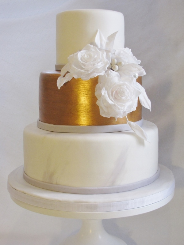 Grey White And Gold Wedding Cake Cakewalk Catering