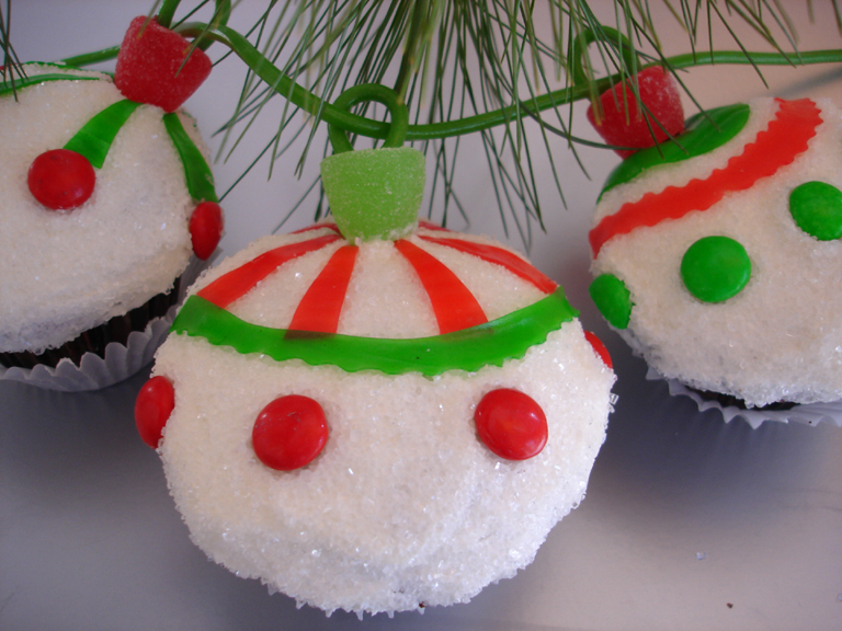 String of ornaments cakewalk catering - String ornaments christmas ...